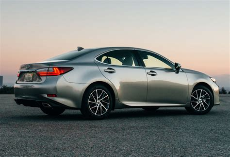 lexus es 2016 here s your 2016 lexus es facelift america 49
