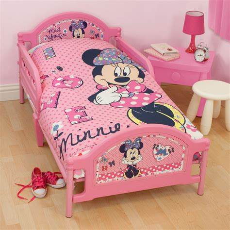 minnie mouse toddler bed set minnie mouse bedroom bedding accessories ebay