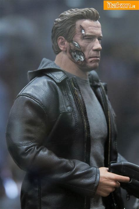 Hottoys Arnold T800 Guardian Terminator Genisys T800 Guardian Mms307
