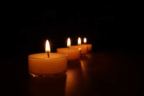 kerzen windlicht kostenlose foto licht nacht atmosph 228 re rot flamme