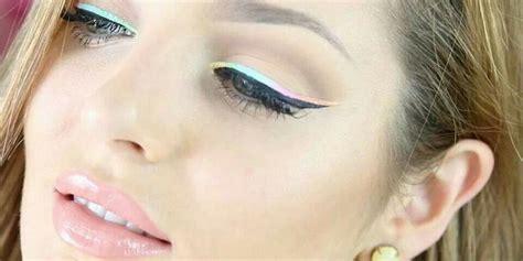 Umum Eyeliner eyeliner warna pastel jadi hits di 2015