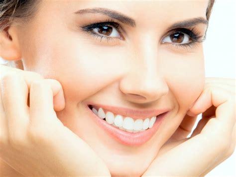 Proses Pemutihan Gigi ini fakta dari yang seseorang memiliki gigi kuning jauh