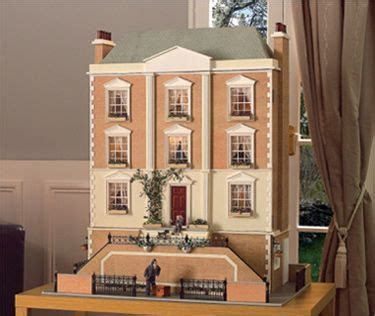 montgomery hall dolls house montgomery hall characterizes the georgian grandeur popularised in the 19th century