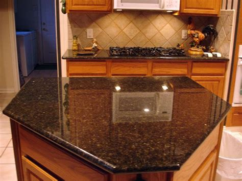 uba tuba granite with oak cabinets ubatuba with honey oak kitchen breakfast colors
