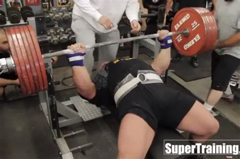 what is the world record for bench pressing massive marvel eric spoto breaks world record with 722 pound bench press bleacher report