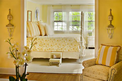 Beautiful Yellow Bedrooms by 20 Yellow Bedroom Designs Decorating Ideas Design
