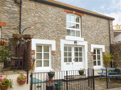 Brixham Cottages Pet Friendly by 1 Mill Court Friendly Cottage In Brixham