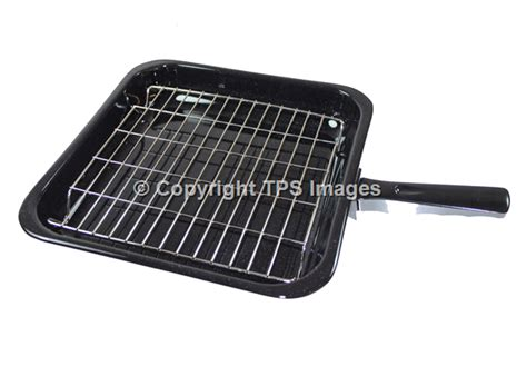 medium grill pan with a grill rack and grill pan handle