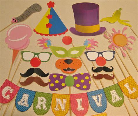 free printable photo booth props circus pdf circus carnival photo booth props decorations