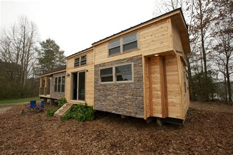 Tiny Houses Fyi Fyi Network Tiny House Nation 400 Sq Ft Vacation Home