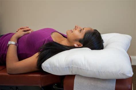 arc4life cervical linear traction neck pillow medium