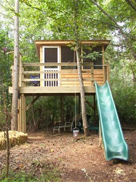 tree house window ideas 1000 images about treehouse clubhouse on pinterest outdoor playhouse for kids