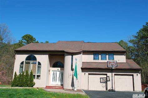 Car Rental Port Jefferson Ny by 89 Pine St Port Jefferson Station Ny 11776 Home For Sale And Real Estate Listing Realtor 174