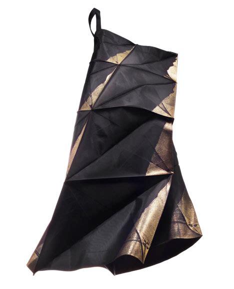 Issey Miyake Origami - theartistandhismodel 187 132 5 issey miyake