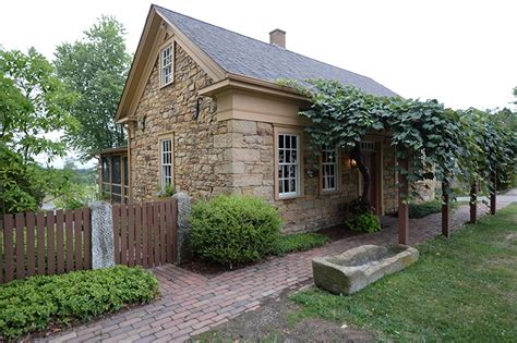 Cottage Lodge by Cottage Inn Amish Country Guesthouse