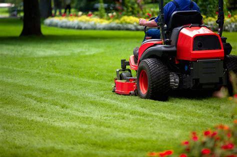 corsi di giardiniere giardiniere professionista nasce l albo dei giardinieri
