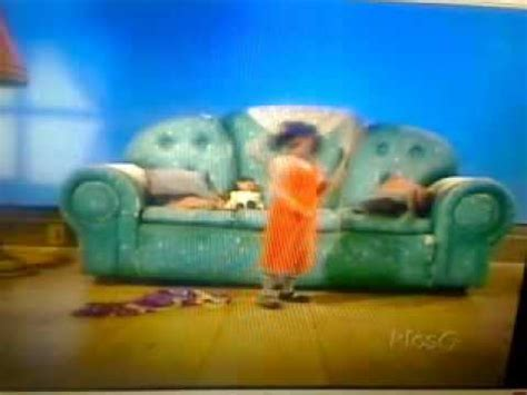 big comfy couch 10 second tidy big comfy couch something s fishy around here 10 second