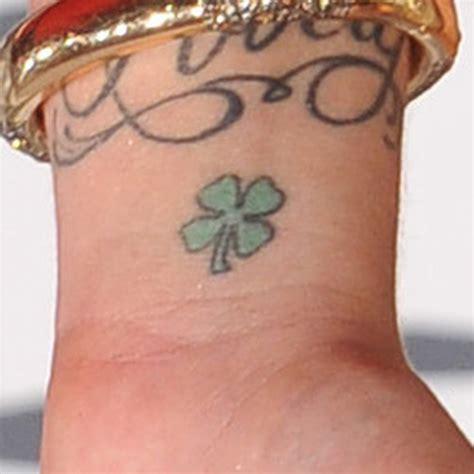 shamrock tattoo wrist 31 wrist and foot shamrock tattoos golfian