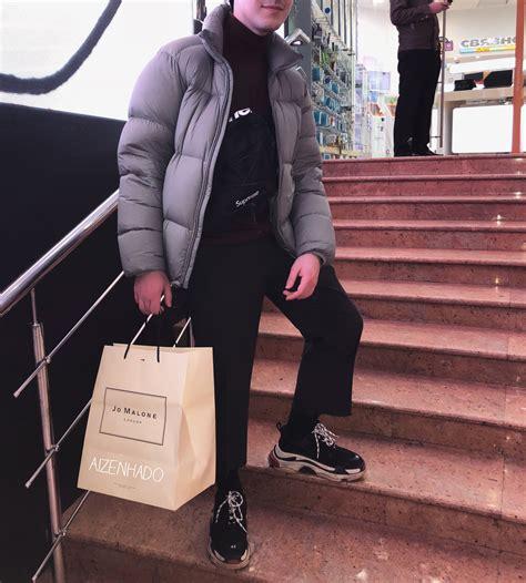 supreme wear supreme ss18 hypebeast streetwear flatlay t