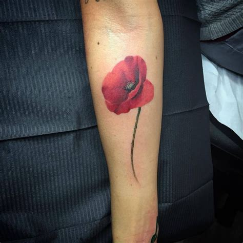 stem tattoo designs 25 best ideas about poppies on poppy