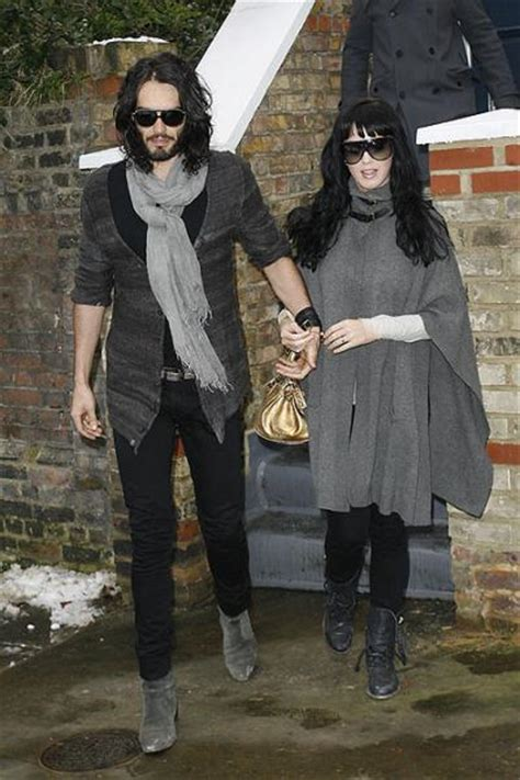 katy perry shows off her engagement ring from fiance russell brand hello