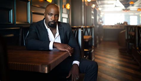 mike colter reg e cathey exclusive mike colter on luke cage season 2 working with