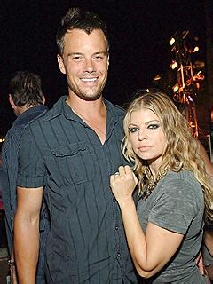 Are Fergie Josh Duhamel Engaged by It S Official Fergie Josh Are Married