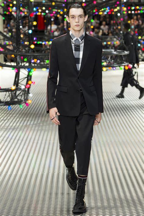 Dior Homme Spring 2017 Menswear Collection Photos   Vogue