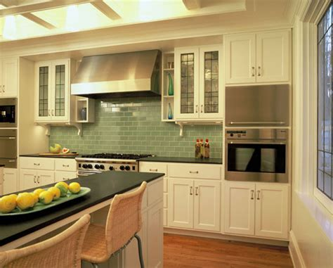 arranging island traditional hood amp white cupboard idea