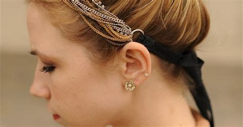 Lovely Metal Headband And Necklace necklace as a headband this sidewalk ready