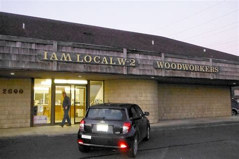woodworkers union gh woodworkers great northwest credit unions to merge