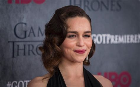 emilia clarke joins the upcoming han solo star game of thrones emilia clarke joins han solo prequel in