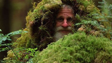 how much money does mick dodge make per episode man lives in a tree stump and uses pinecones to brush his