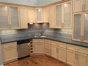 Maple kitchen cabinets7 is one of the best design