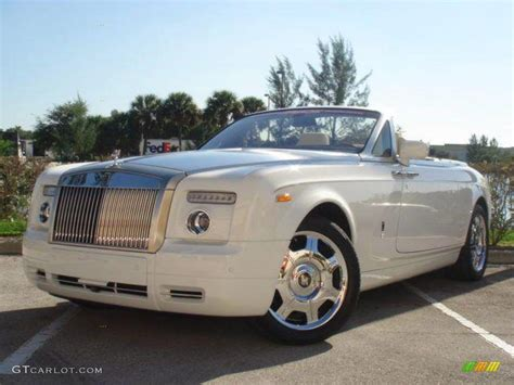 rolls royce white convertible 2008 white rolls royce phantom drophead coupe