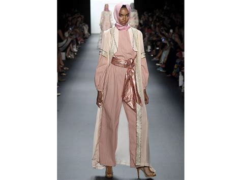 Botega Top Ori Hijabsister for the time designer displays a collection at new york fashion week boldsky