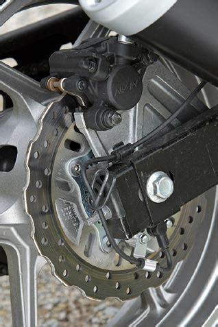 Einsteigermotorrad Mit Abs by 600er Naked Vergleich Testbericht