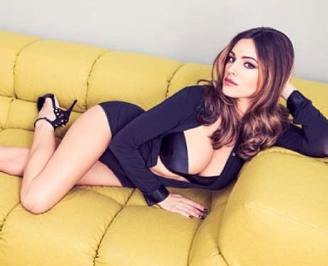 hot on sofa kelly brook s most gorgeous pictures heart