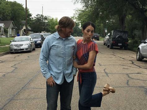 joanna gaines facebook joanna gaines asks fans for help after rumor spreads about