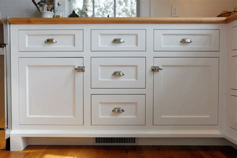 Cabinet Door Pull Placement Where To Place Handles On Kitchen Cabinets Peenmedia