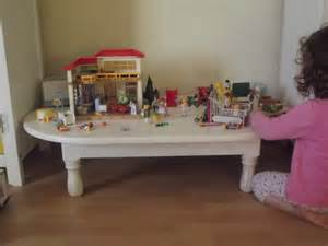 table basse pour les playmobils de swana les babioles de