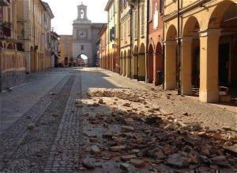 centro emilia crevalcore terremoto in emilia a crevalcore evacuate oltre 2mila