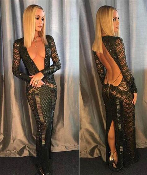 Holden Dress by Amanda Holden S Baring Dress Gets Hundreds Of