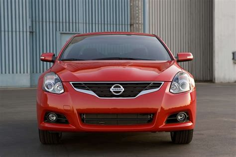 nissan altima coupe 2010 2010 nissan altima coupe overview japanesesportcars com
