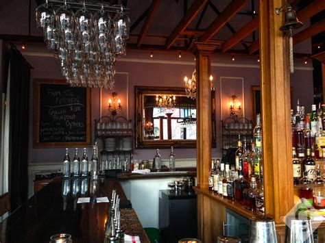 Top 10 Nashville Bars by Nashville S Top Cozy Bars Restaurants Nashville Guru