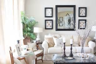Wall Decor Ideas For Small Living Room by Living Room Ideas For Small Spaces Model Home Decor Ideas