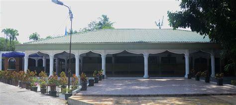 mendirikan sebuah yayasan yayasan hajjah rachmah nasution perguruan universitas