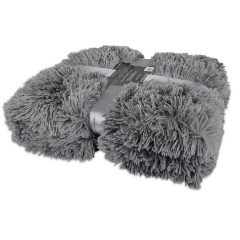 Soft Faux Fur Blanket by Luxury Pile Soft And Cuddly Shaggy 150x200cm