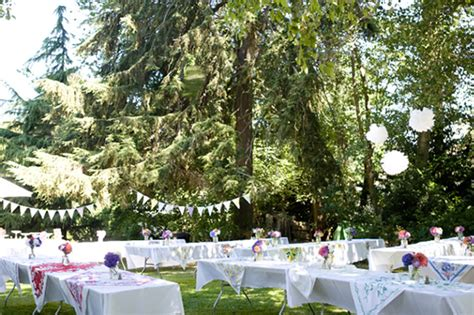 inexpensive backyard wedding budget friendly backyard wedding