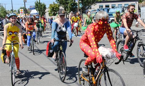 new year parade seattle 2015 seattle fremont solstice parade 2015 cyclists flickr